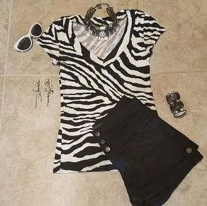 Adorable 🌺Short Sleeve Shirt